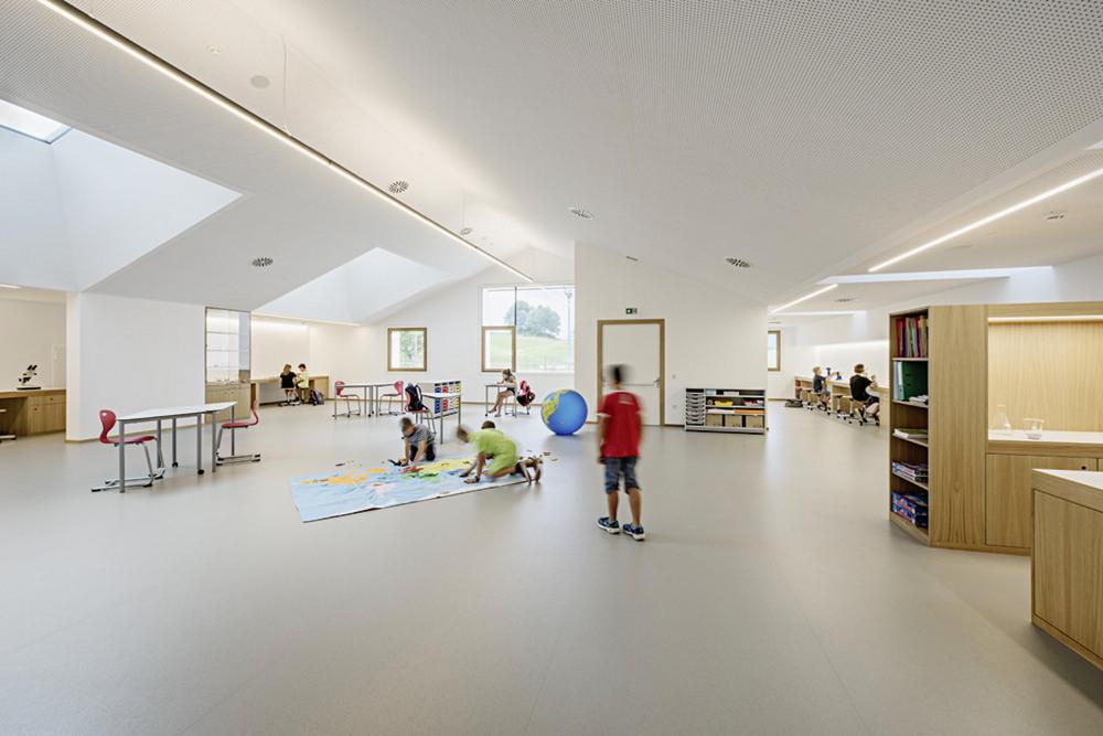 Учебный комплекс для детей в Италии