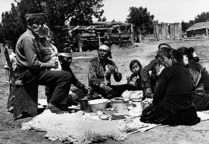 Повседневная жизнь индейцев Навахо в 1940-х годах