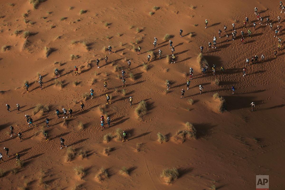 Завершился изнурительный Песчаный марафон Marathon des Sables