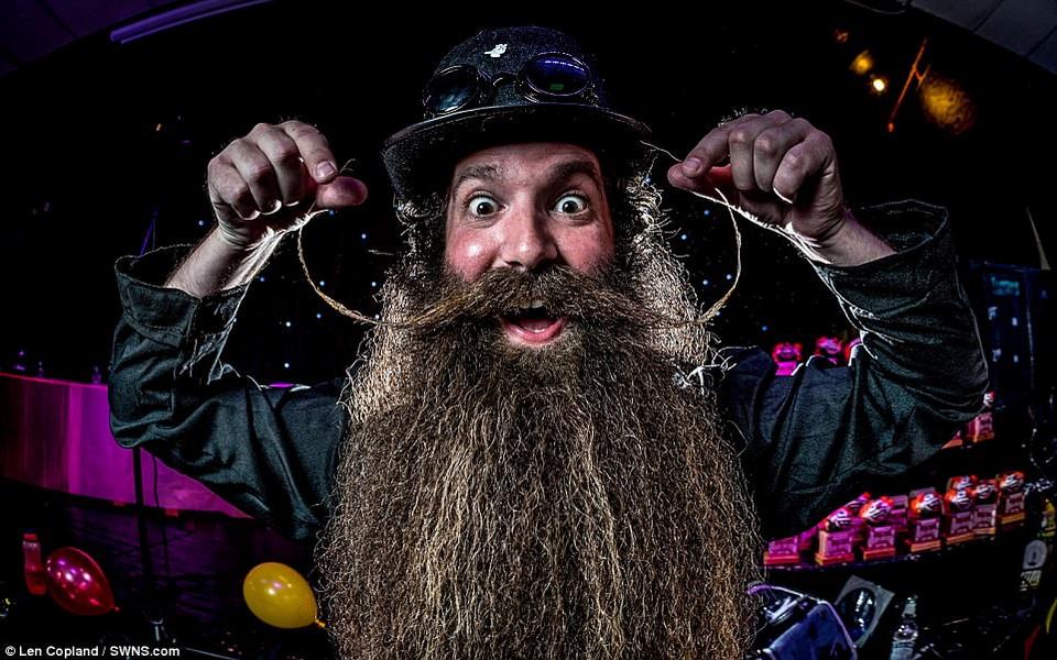Ежегодный конкурс бородачей и усачей в Великобритании