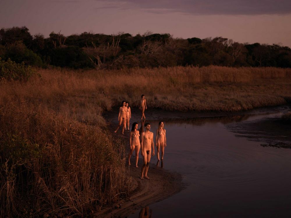 In our nature: обнаженные люди в природной среде