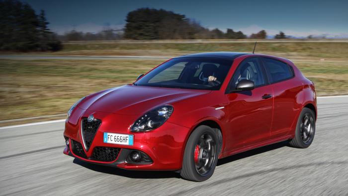5 авто, которые любят за их скорость и доступность
