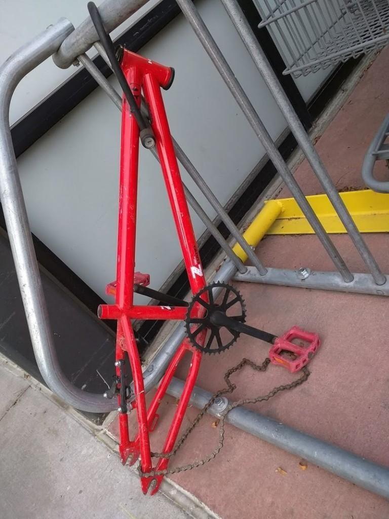 В Чикаго от припаркованных велосипедов остаются рожки да ножки