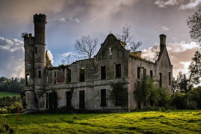 Заброшенные места, захваченные природой