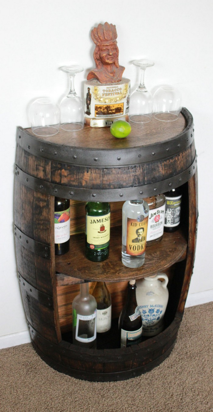 Мебель и не только из старых винных бочек