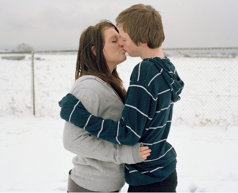 Влюбленные британские подростки в объективе Лауры Паннак