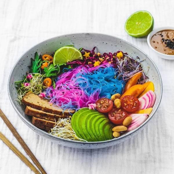Разноцветные аппетитные блюда