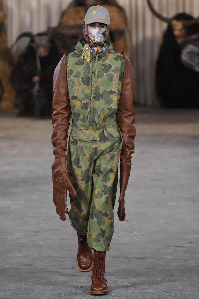Осенняя коллекция одежды поможет сохранить руки в тепле