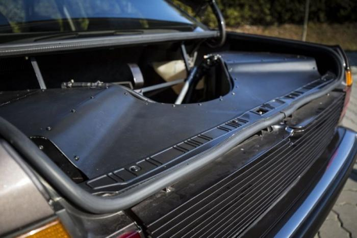 BMW 7 Series V16 1988 – супер семерка