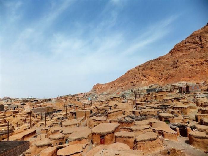 Махуник – иранская деревня гномов