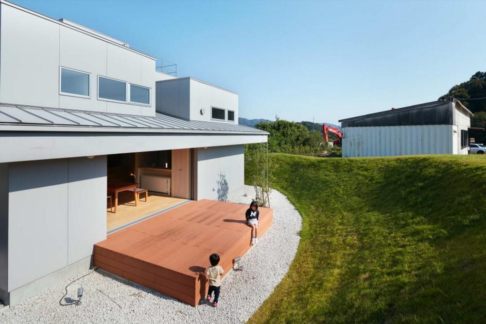 Современный загородный дом в Токусиме