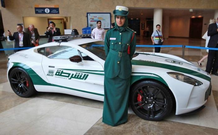 Мощные и быстрые машины на службе полиции