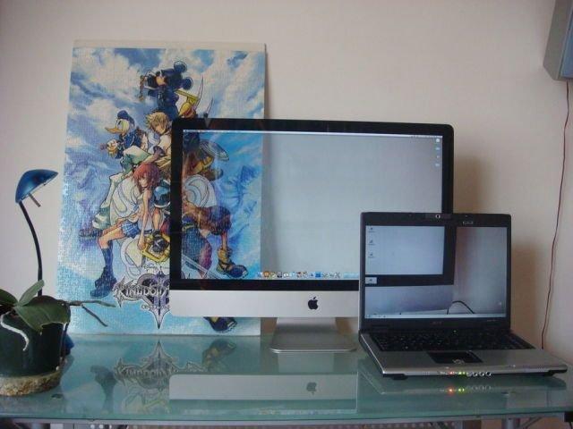 Прозрачный фон на рабочем столе компьютера