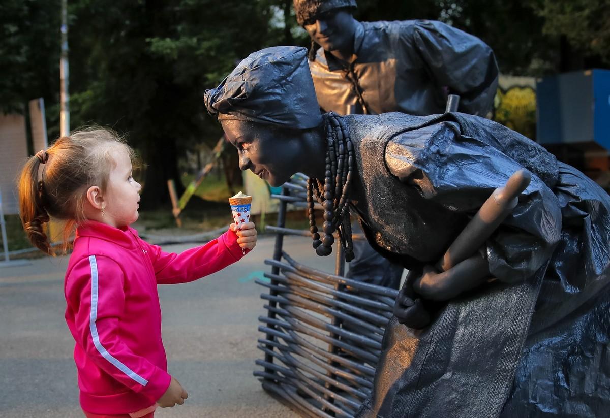 Международный фестиваль живых статуй в Бухаресте