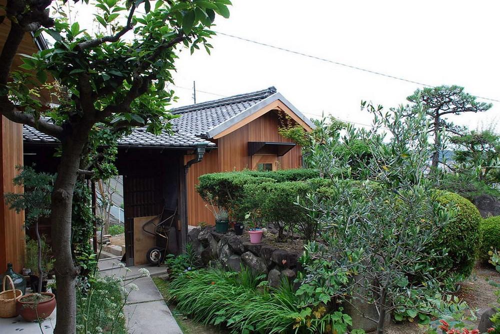 Старый деревянный сарай переделали в ателье