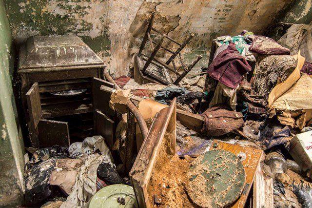 Как фотограф нашел деньги в заброшенном доме