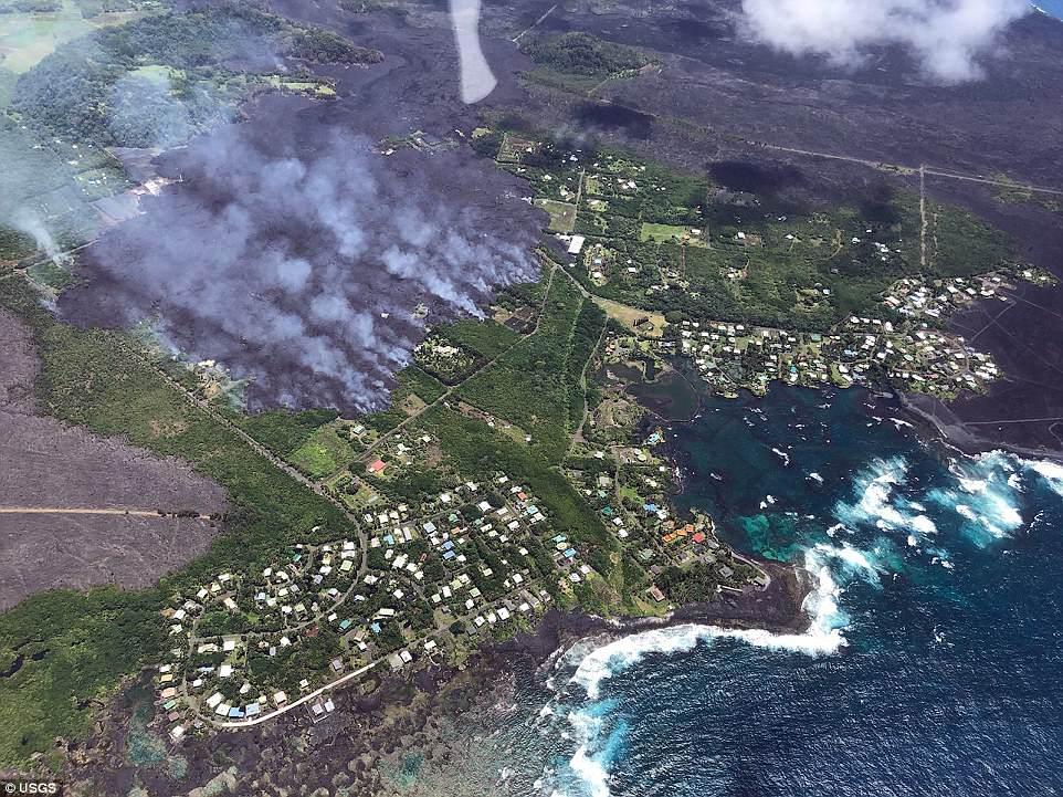 Потоки лавы на Гавайях уничтожили сотни домов за ночь