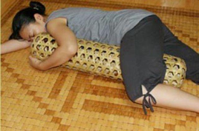 В жару приятно спать с бамбуковой женой
