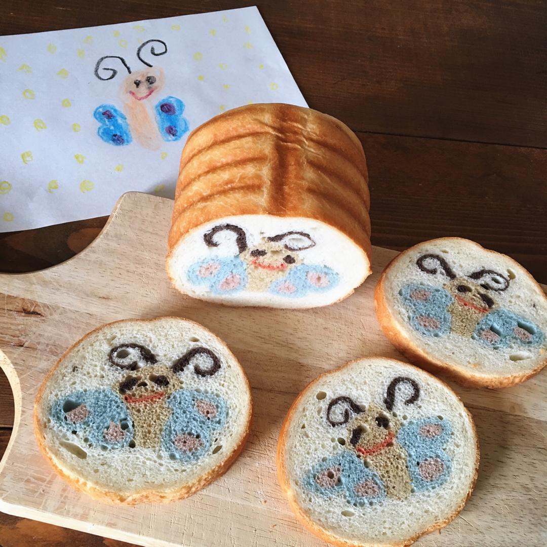 Рисунки на ломтиках хлеба от мамы-пекаря