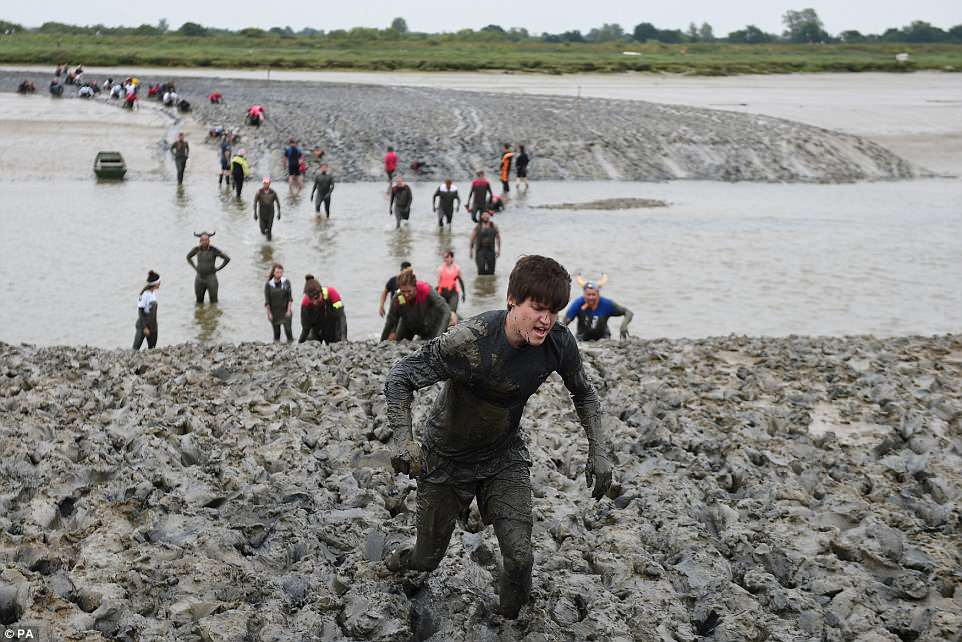 Благотворительный забег по грязи в Эссексе 2018