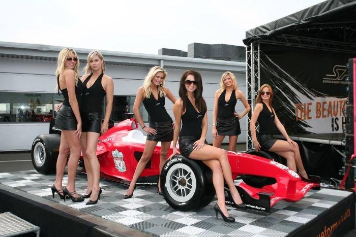 Грид-гёрлз на гонках Формула-1