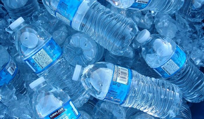 Почему не стоит повторно использовать пластиковые бутылки