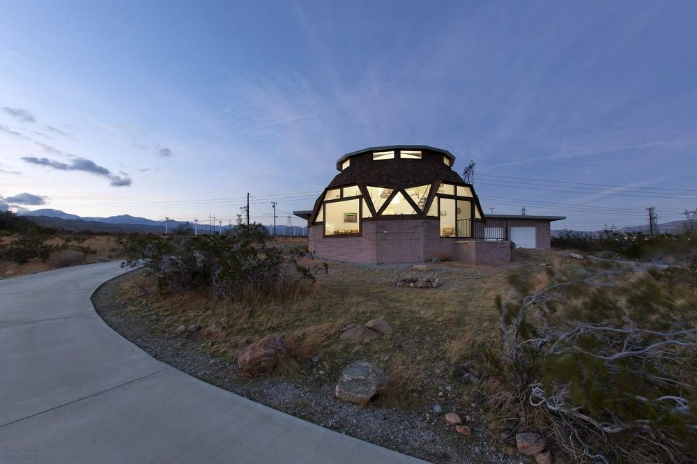 Дом-купол в долине Коачелья