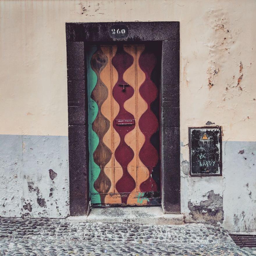 Разрисованные двери Фуншала как произведения искусства