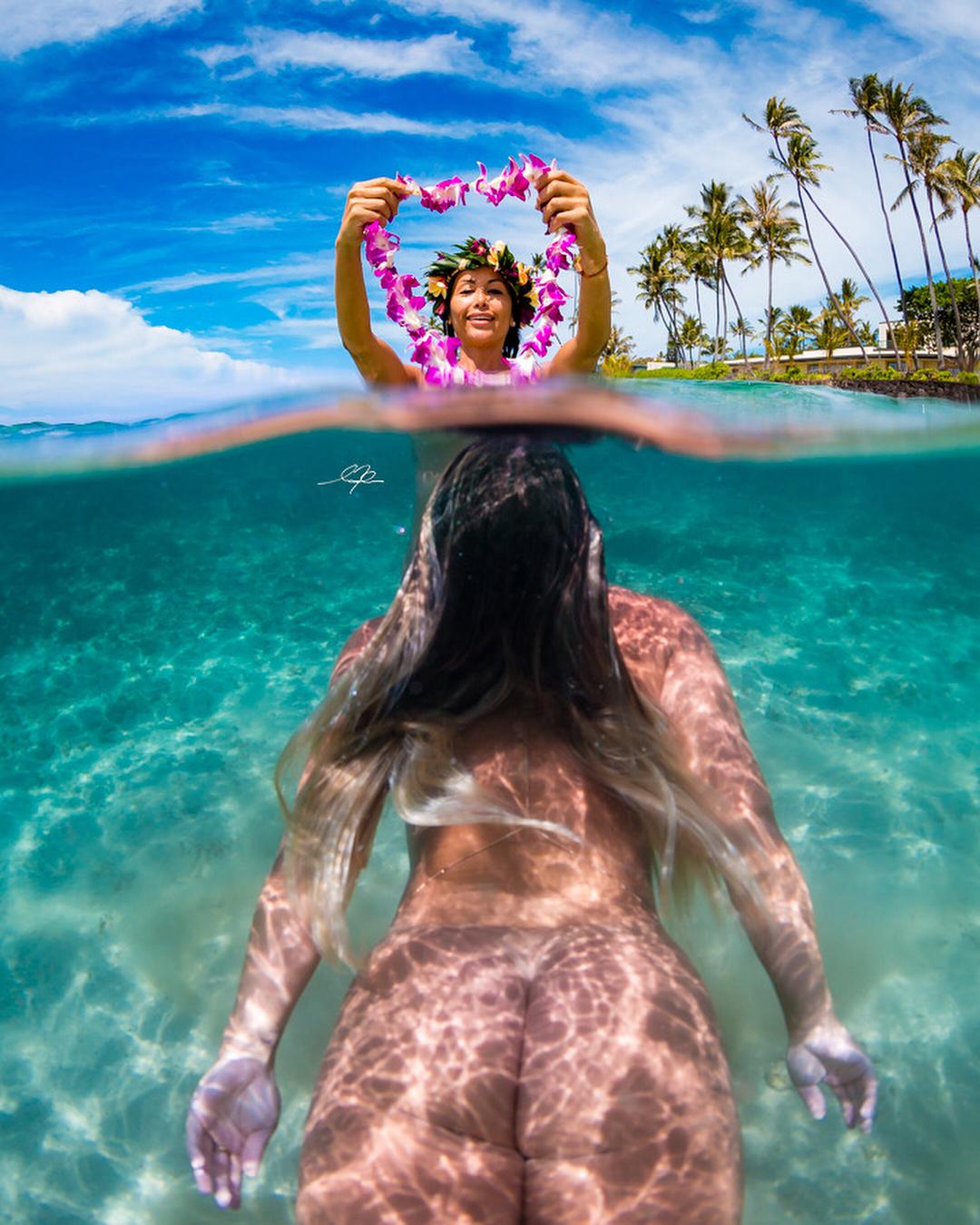 Обнаженные девушки в воде от фотографа Мусаши