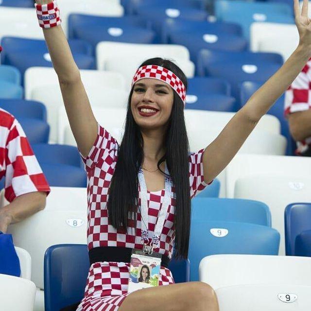 Симпатичные болельщицы на ЧМ по футболу 2018