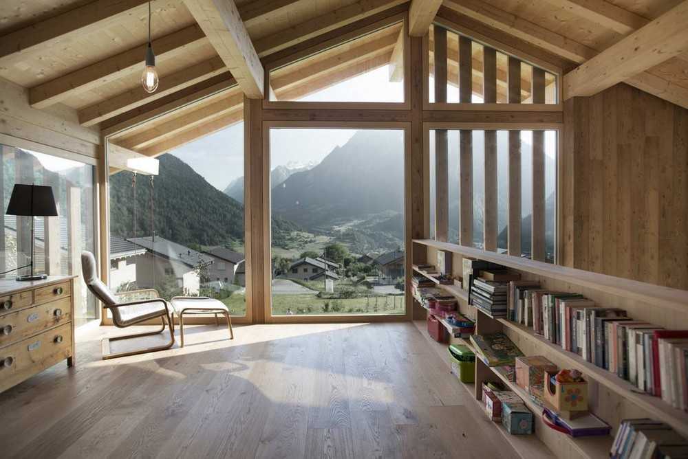 Небольшое шале в швейцарских Альпах