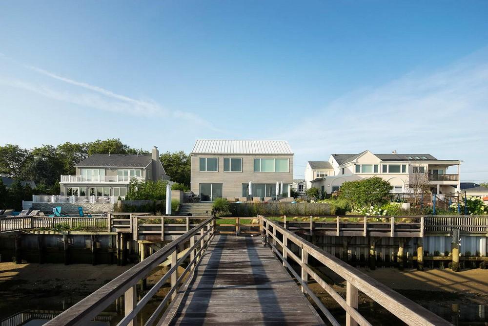 Резиденция на берегу в США