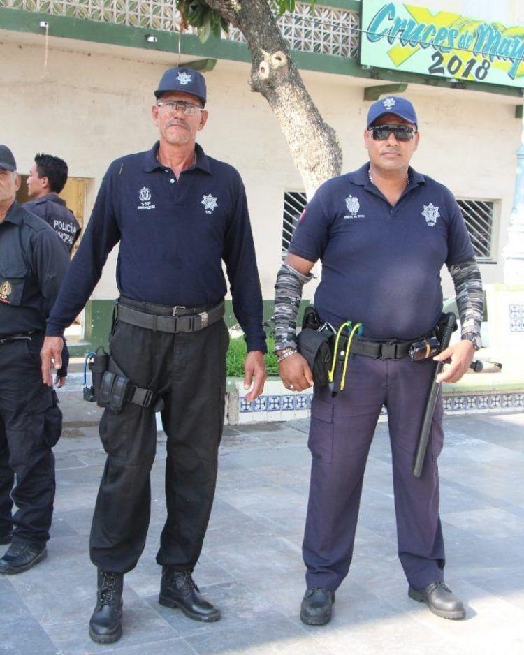 Мексиканских полицейских вооружили рогатками