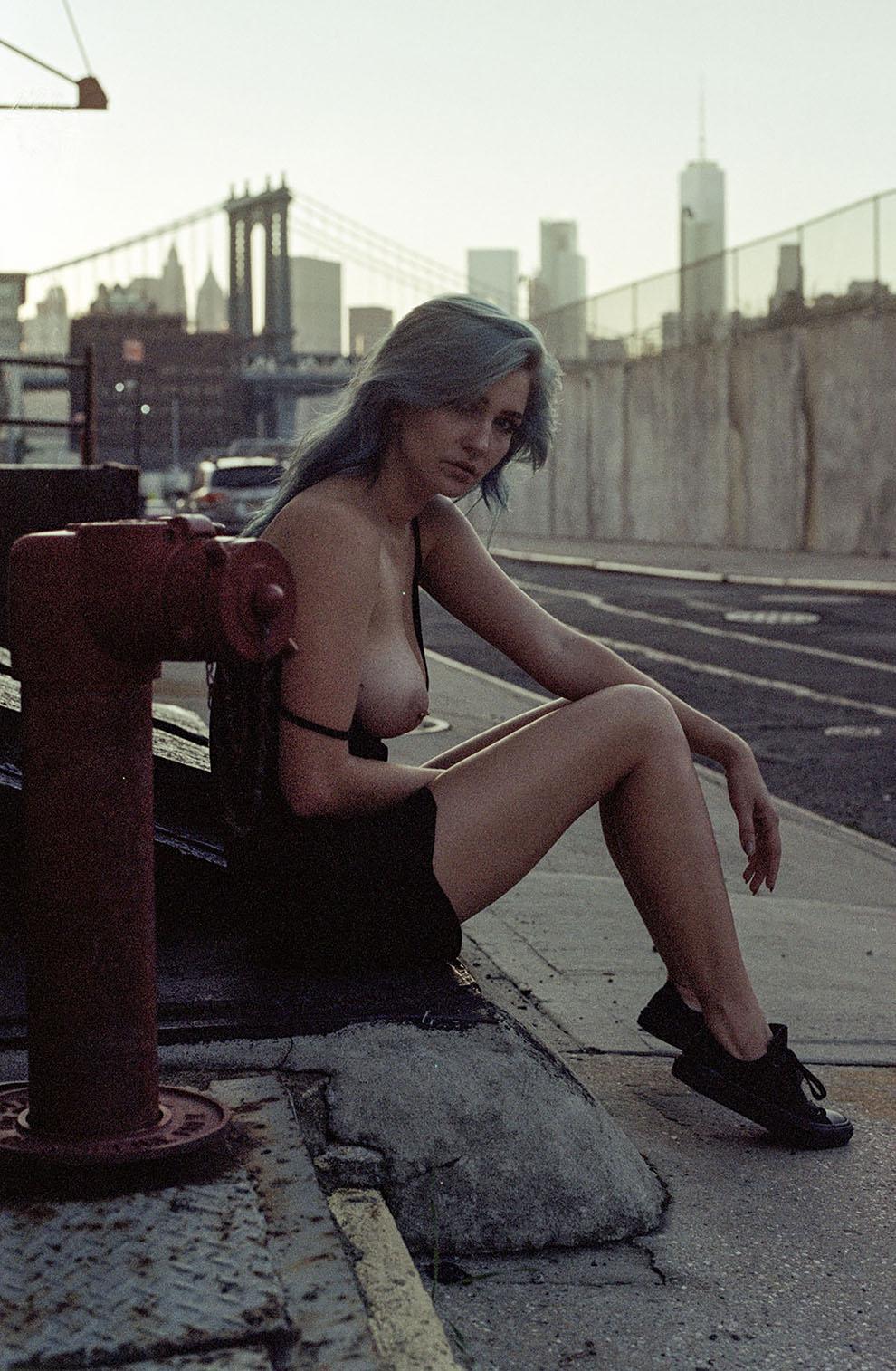 Чувственные снимки девушек от Зено Гилла