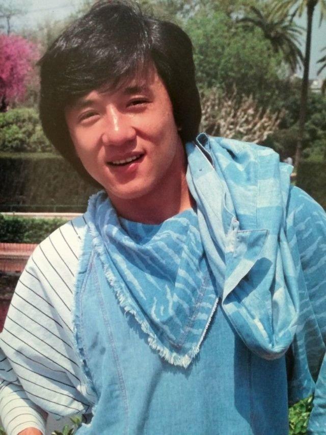 Молодой Джеки Чан