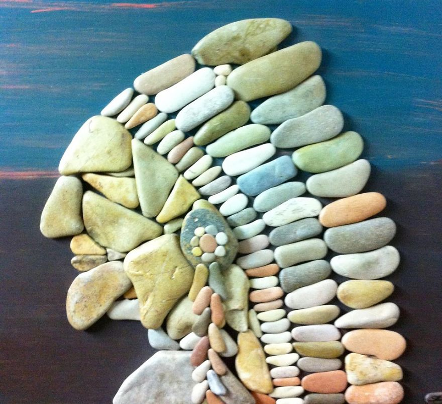 Реалистичные картины из камней, найденных на пляже