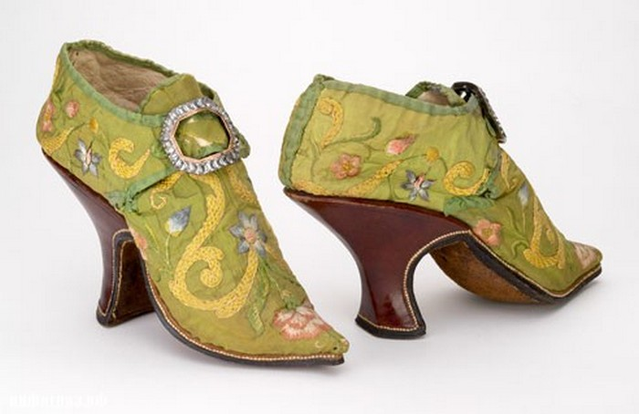 История моды на высокие каблуки