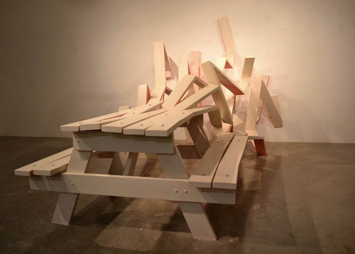 Необычные столы для пикника от Майкла Бейца