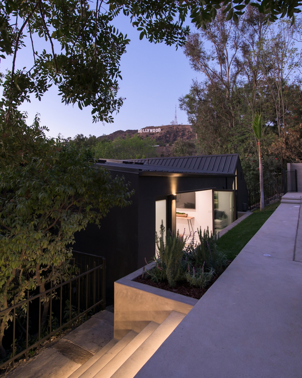 Реконструкция особняка на Голливудских холмах