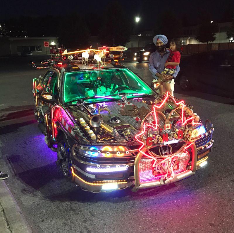 Болливудская версия авто из Назад в будущее