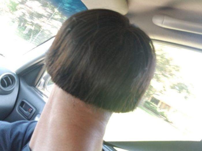 Он разрешил другу себя подстричь