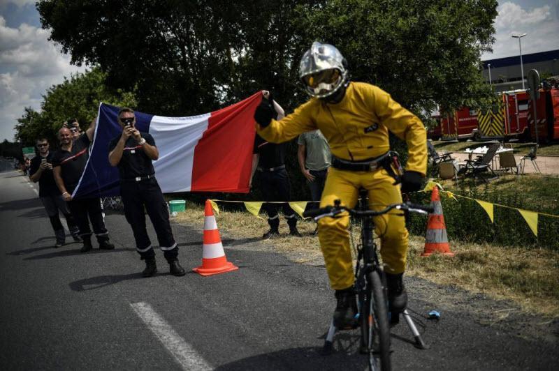 Гонка Тур де Франс 2018 с оттенком легкого безумия