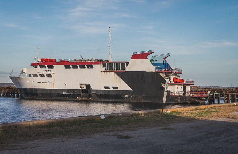 Заброшенный круизный корабль Казино Рояль