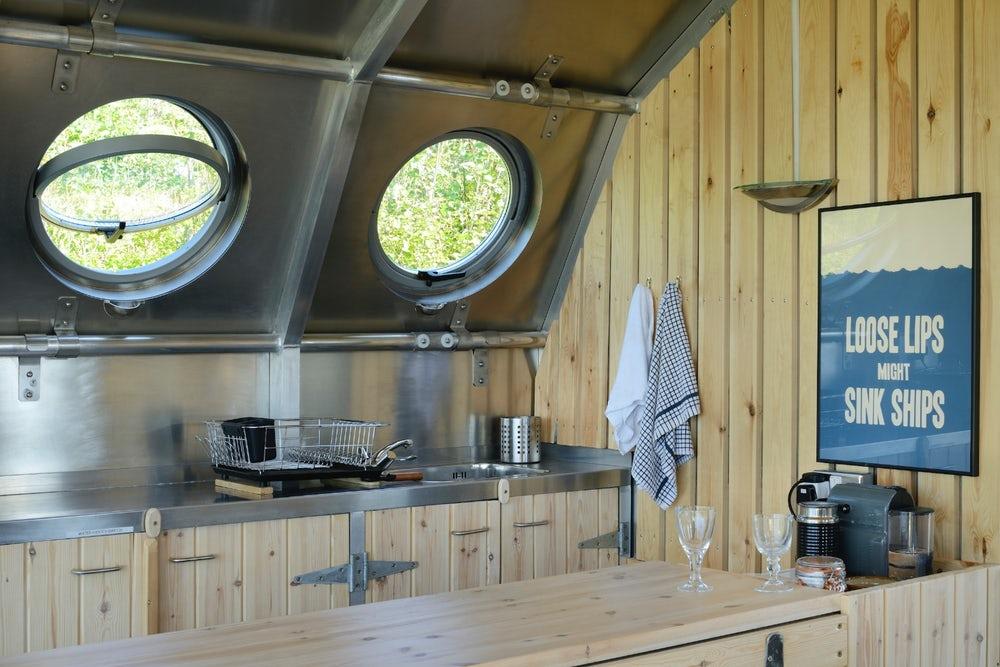 Дом-дирижабль для отдыха на природе