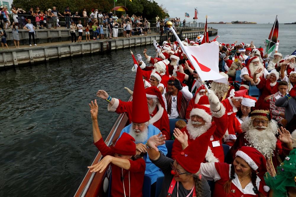Ежегодный конгресс Санта-Клаусов в Дании