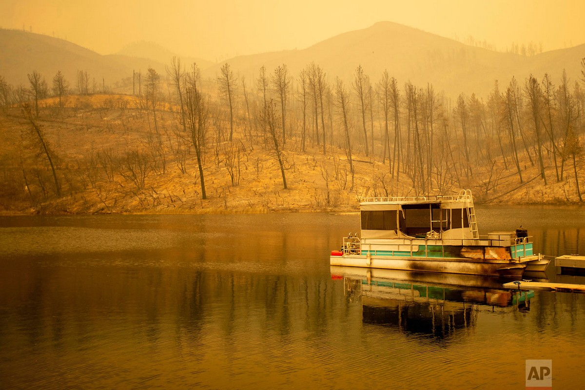 Лесные пожары бушуют в Калифорнии