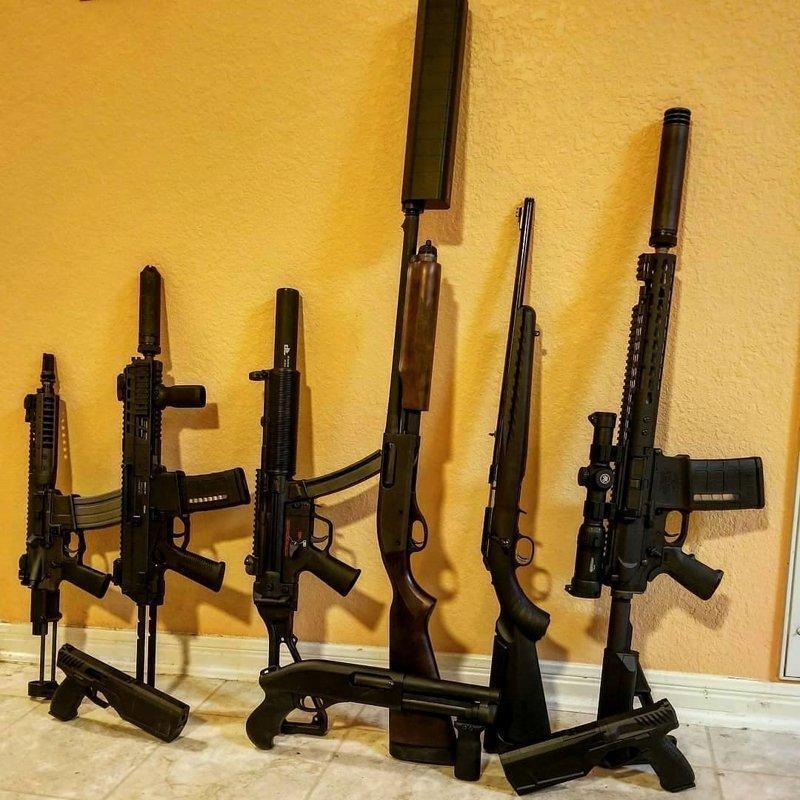 Американцы хвастаются своими коллекциями оружия