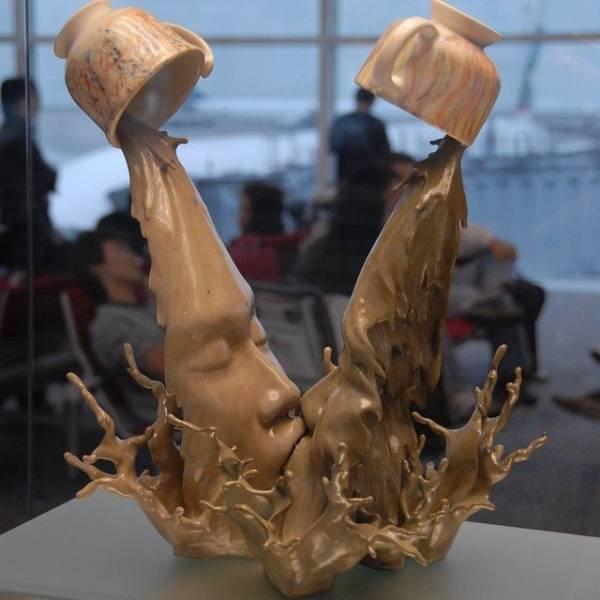Необычные скульптуры, которые бросают вызов гравитации