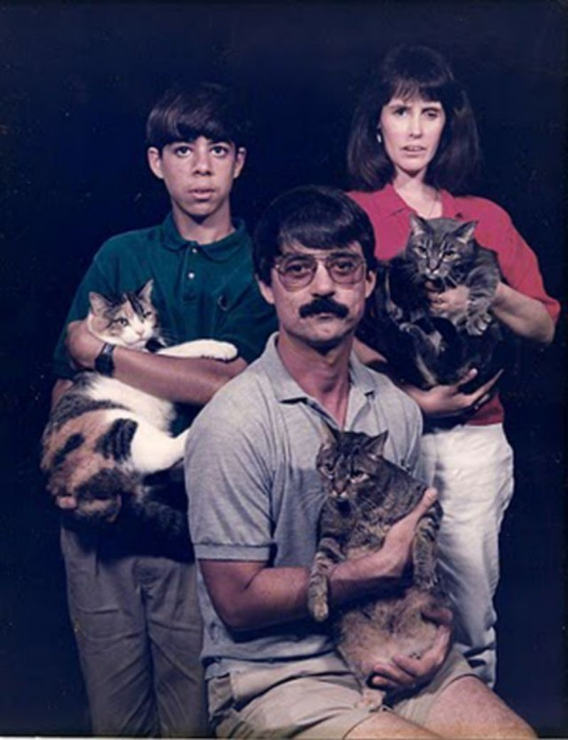 Странные семейные фото американцев 1980-х годов