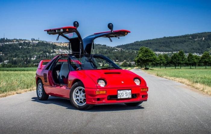 Mazda Autozam AZ-1: маленький спортивный автомобиль с крыльями